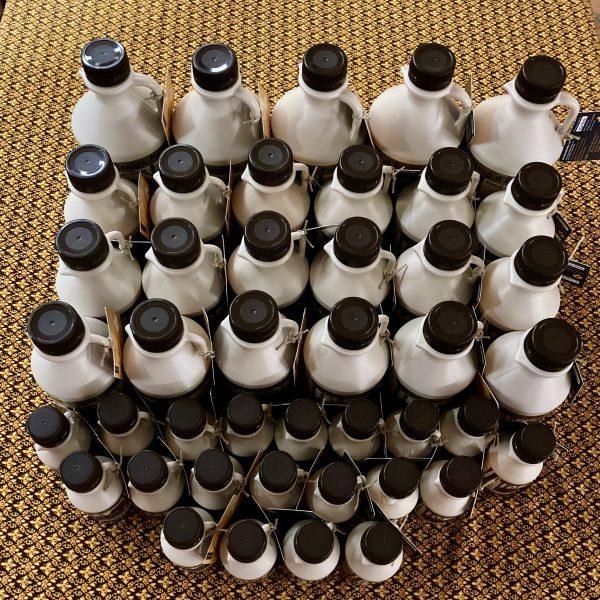 Ahornsirup-Flaschen